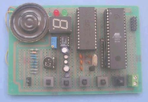 电路:89s52单片机,isp编程接口,isd4003语音芯片,lm386功放,0.