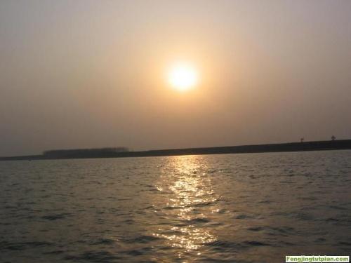 所当前页面:网站首页-- 大江东去 对天河漂流自