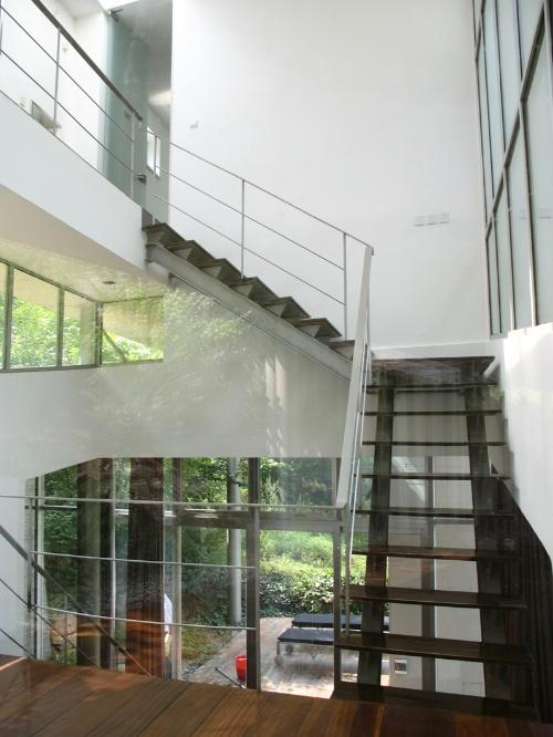 钢——结构和楼梯;